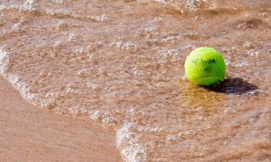Keine Sommerferien beim Tennis!